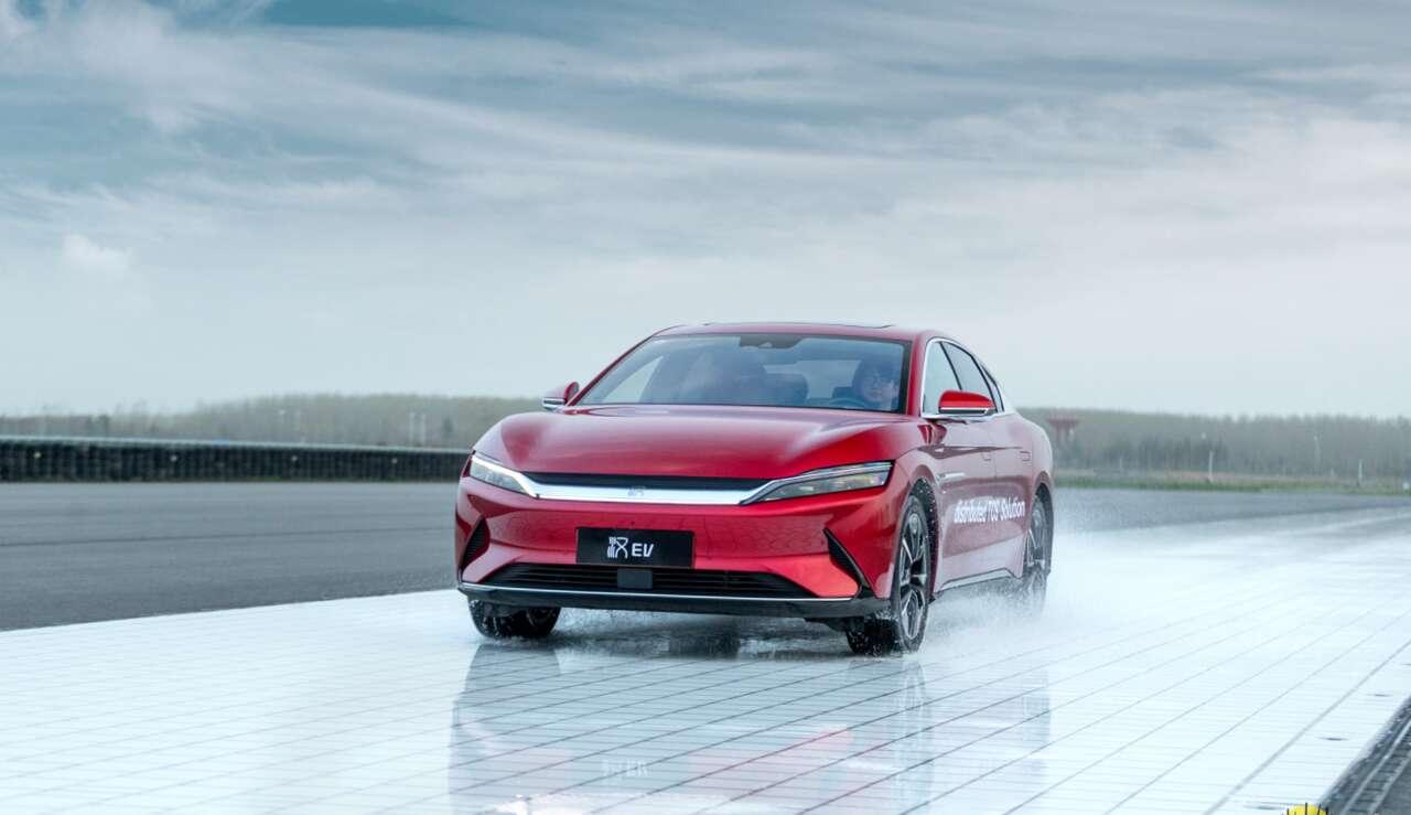 打造极致安全,汉EV四驱版成全球首款搭载dTCS的新能源汽车